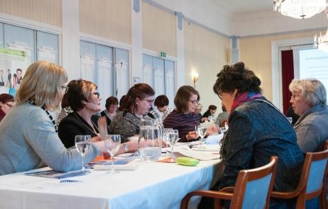 Kymppikortit lyötiin pöytään Foorumixin Helmiseminaarissa 10.2.2016.